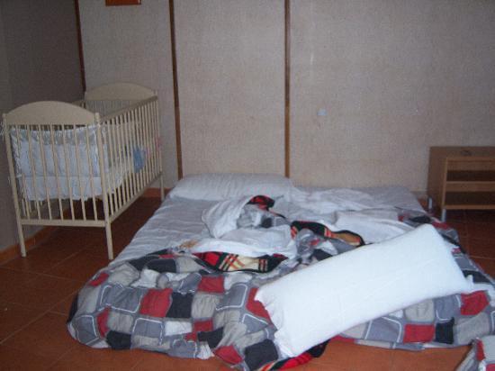 Hotel Or Blanc: Colchones en el suelo