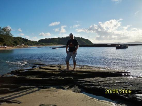 Tartaruga Beach: PRAIA TARTARUGA! Después de caerme entre los morros me fui a meter en la playa y a ver como pesc