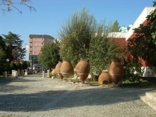 canakkale arkeoloji muzesi-on bahce - Picture of Canakkale ...