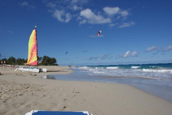 Viva Wyndham Tangerine: The beach looking away from Cabarete