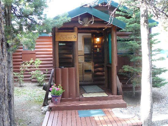 Rustic Wagon RV Campground & Cabins: Cabin 5