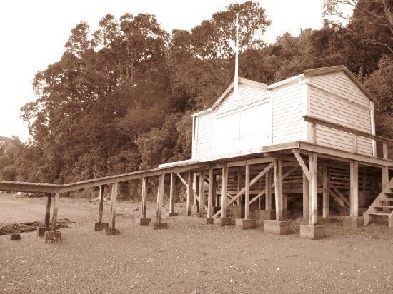 Heartsong Retreat: The Boat House