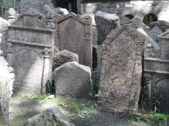 Jewish Museum in Prague: Cemetery 1