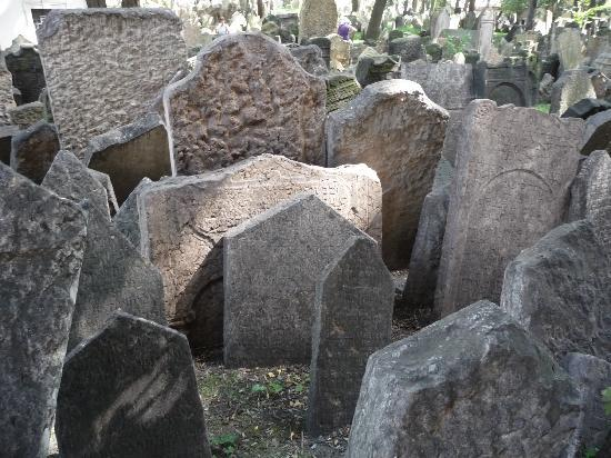 Jewish Museum in Prague: Cemetery 2