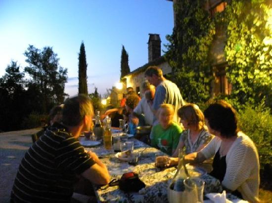 Le Casine di Castello: tutti a tavola!
