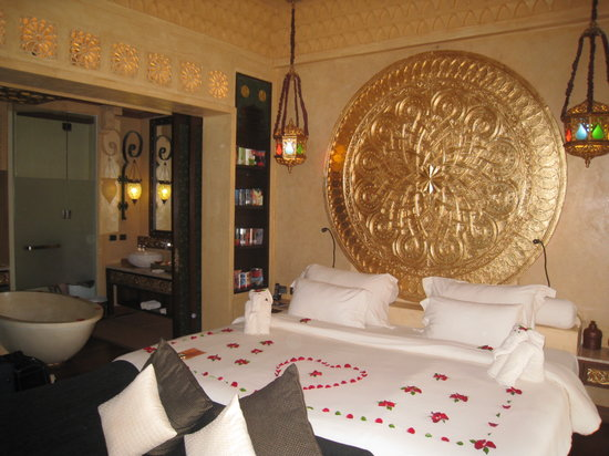 The Baray Villa: King bed