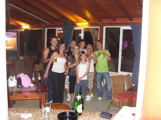 Sophia Beach Aparthotel : ALL THE GANG