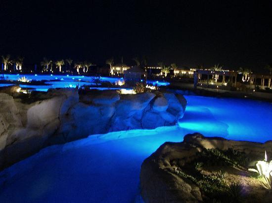 Kempinski Hotel Soma Bay: Pool Nachts