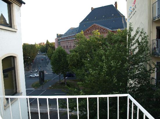 Hotel am Landeshaus: Vue depuis le balcon (de la SDB)