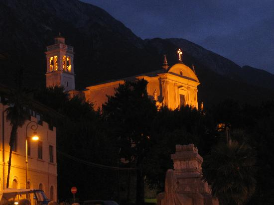 Hotel Alpino: View from the hotel at night