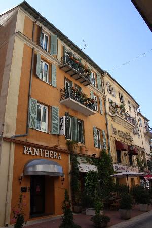 Hotel Villa La Tour: entrée de l'hôtel