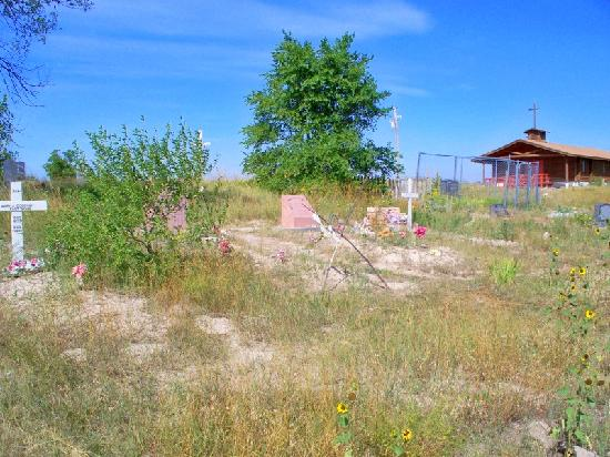 Wounded Knee, SD: Unkept burial plots