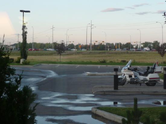 Sandman Hotel & Suites, Calgary Airport: Blick aus dem Fenster