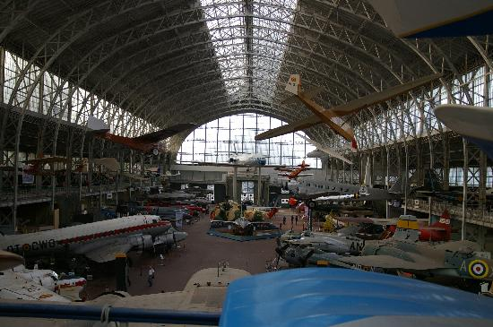 ราชพิพิธภัณฑ์กองทัพและประวัติศาสตร์การทหาร: aviation hall