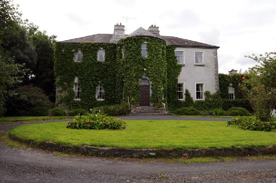 Lisdonagh Manor House : Front of Lisdonagh House