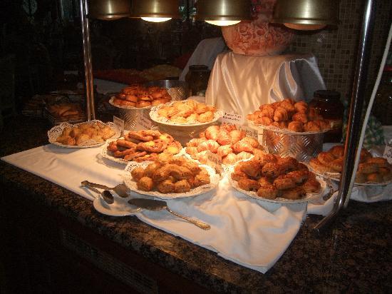 Atlantica Golden Beach Hotel: breakfast buns so light & tasty !!!