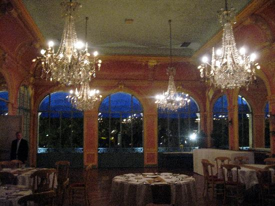Hotel de France: a room prepared for a private dinner