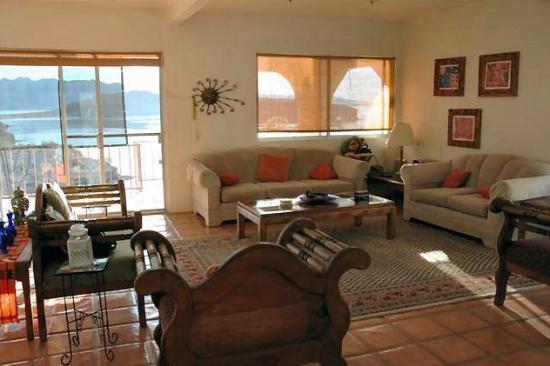 Casa de los Suenos: Living Room
