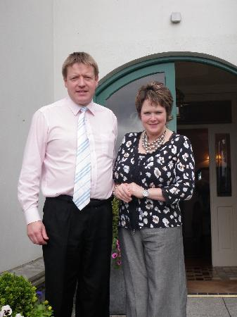 Loch Lein Country House: Our wonderful hosts Paul & Annette
