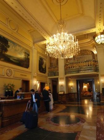 Hotel Imperial Vienna : Hotel lobby