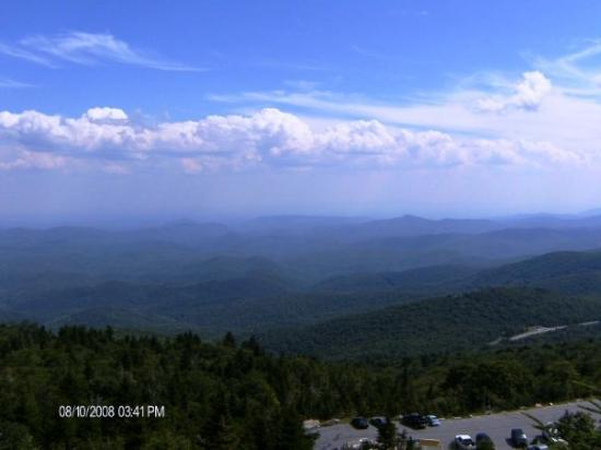 Linville, นอร์ทแคโรไลนา: view from the top...amazing...weather was perfect, a little windy, but that to be expected on to
