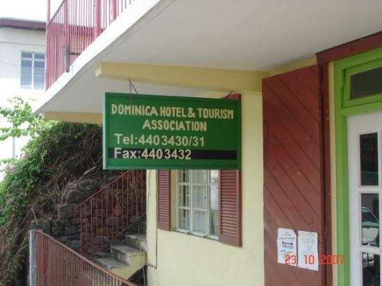 Dubique: Ministerio de Turismo...... Dominica