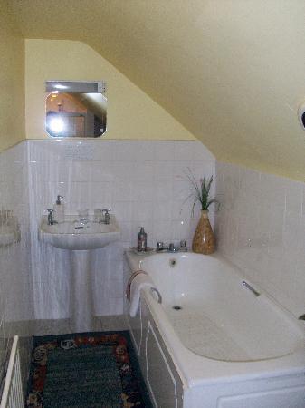 Gallows View: bathtub