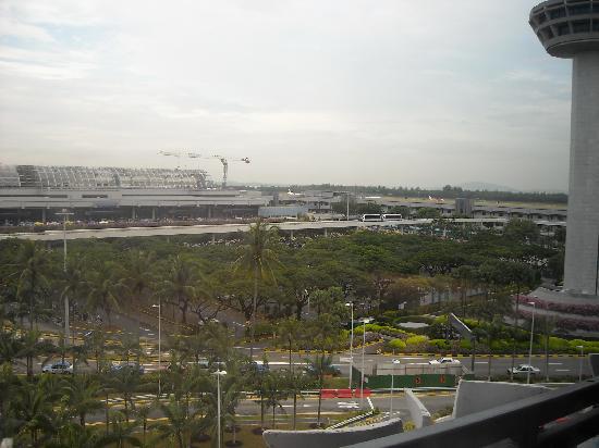 คราวน์ พลาซ่า โฮเต็ล ชางกี แอร์พอร์ท: View from the room