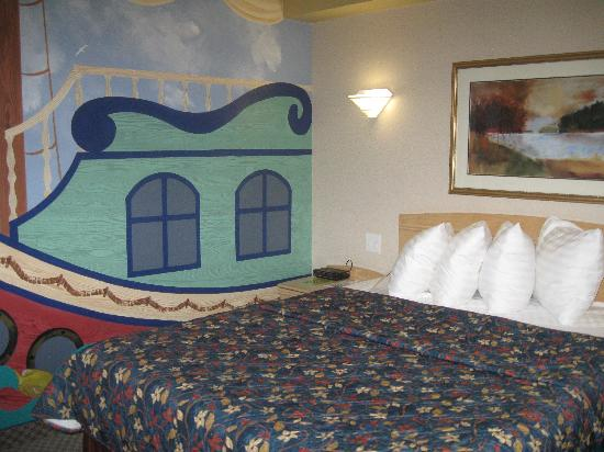 Holiday Inn Winnipeg - Airport West: Kid Suite