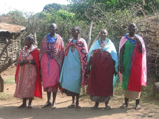 Sanctuary Olonana: Masaai village welcome song