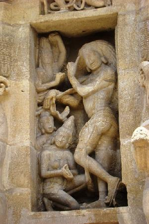 Kanchipuram, India: Kailasanathar temple - Sculptures 3