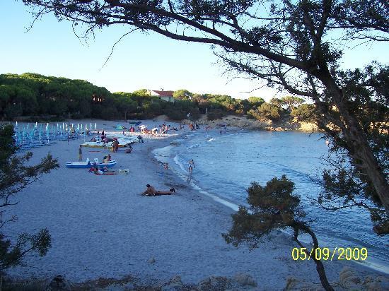Club Hotel & Residence Le Palme: Spiaggia al tramonto