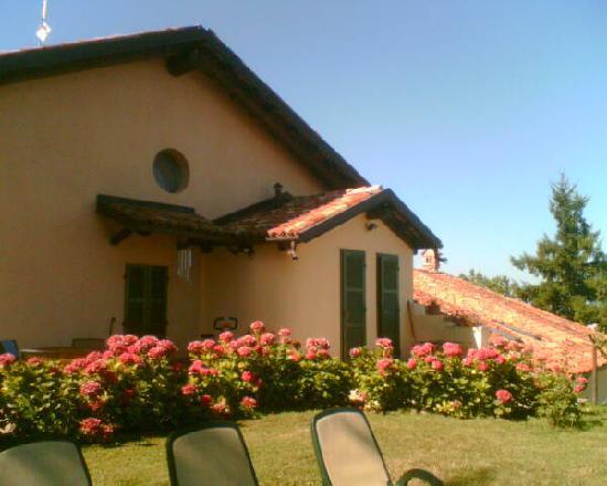 All'Ombra del Pero: Sonnenterrasse und Rückansicht des Hauses