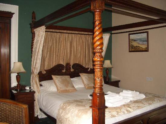 Glenalmond House: Our Bedroom