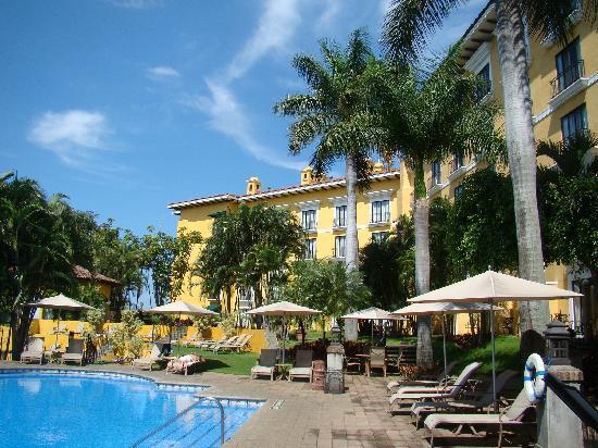 Costa Rica Marriott Hotel San Jose : Exterior and Pool