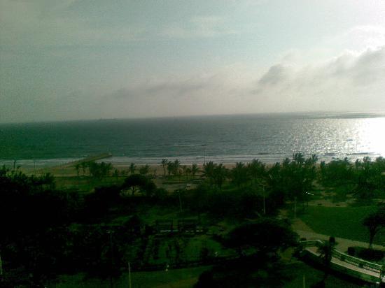 Southern Sun Elangeni & Maharani: Vue de la chambre... L'Océan Indien au matin