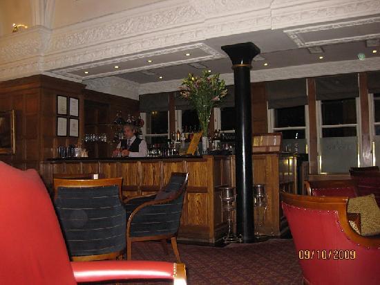 Macdonald Randolph Hotel: The Morse Bar
