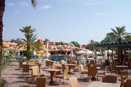 Sangho Club Privilege Marrakech : Terrasse next swimming pool