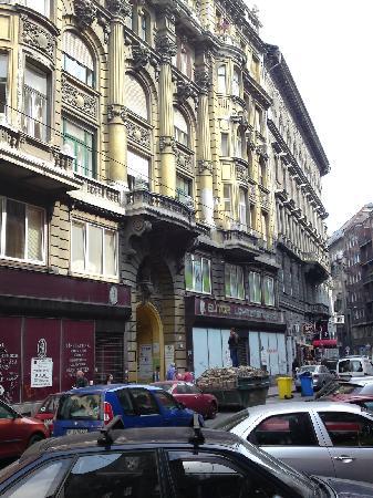 ดานูบเกสท์เฮาส์: Danube Guest House Facade