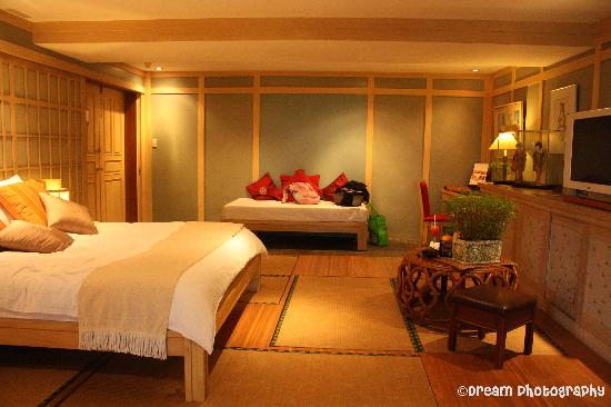 Discovery Country Suites: bedroom