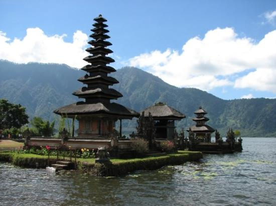 Ulun Danu Bratan Temple Photo