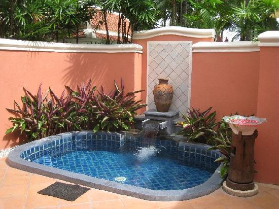 Santiburi Beach Resort & Spa : private pool/Jacuzzi