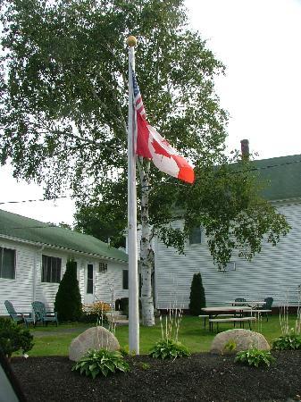 Ne'r Beach Motel: Ne'r Beach flag
