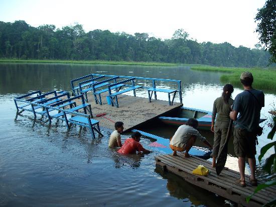 Posada Amazonas: We told you the boat was leaking!