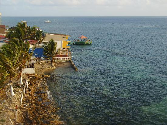 Decameron Aquarium: La vista desde nuestra terraza