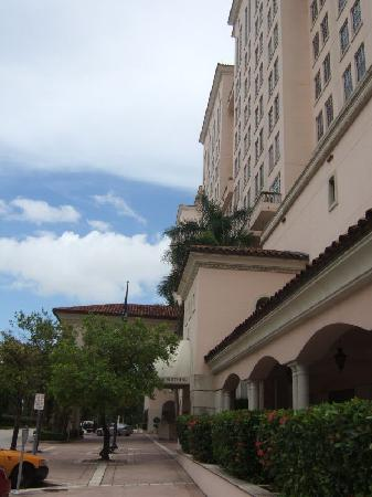 Hyatt Regency Coral Gables: Hotel front