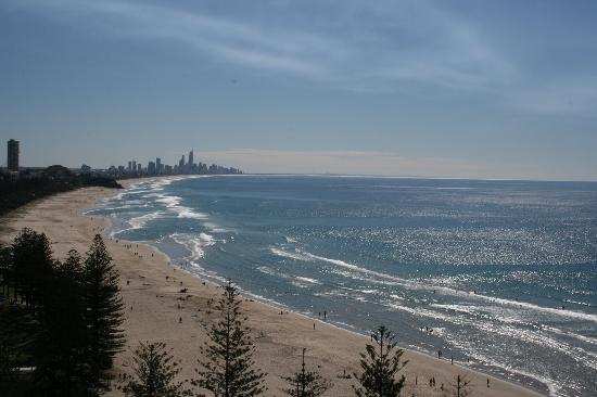 Burleigh Heads, Αυστραλία: Looking north from our balcony