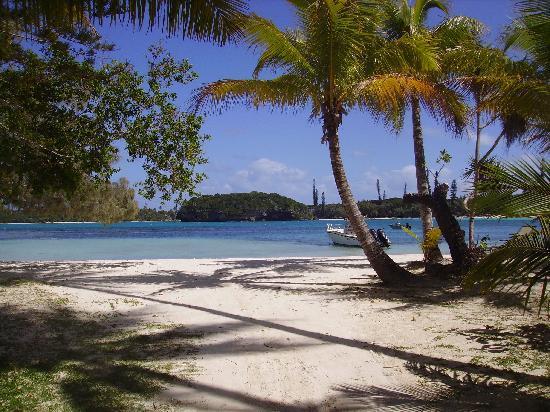 Oure Tera Beach Resort: la plage devant l'hotel