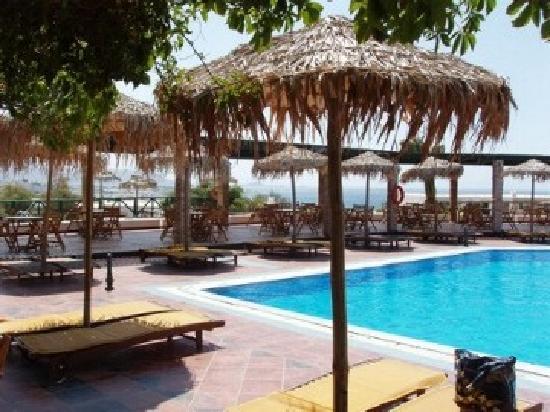 Hotel Kavuras Village: piscina