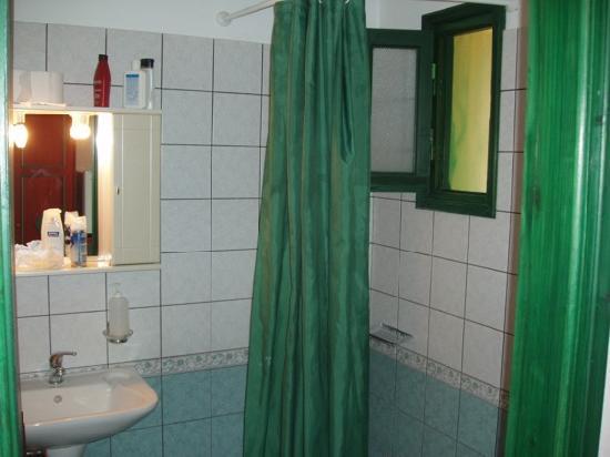 Hotel Kavuras Village : bagno con doccia?